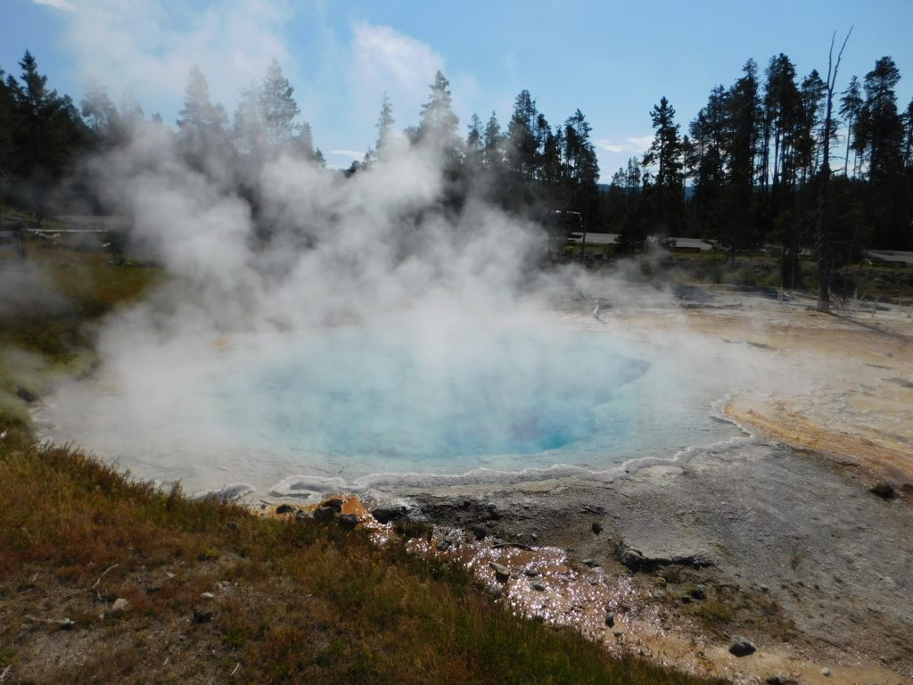 HotSprings_Yellowstone